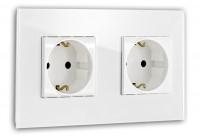 Weiße Steckdose 2-fach. Steckdosen-Rahmen in der Farbe: ALL WHITE ® von Farrow & Ball Nr.: 2005.