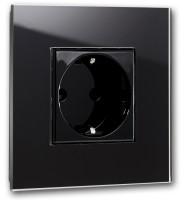 Schwarze Steckdose 1-fach. Steckdosen-Rahmen in der Farbe: PITCH BLACK ® von Farrow & Ball Nr.: 256.
