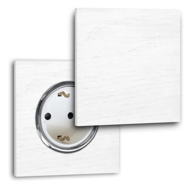 Moderne weiße Steckdose mit Abdeckung 1-fach. Steckdosen-Rahmen, Eichen-Holz lackiert in der Farbe: ALL WHITE ® von Farrow & Ball Nr.: 2005.,
