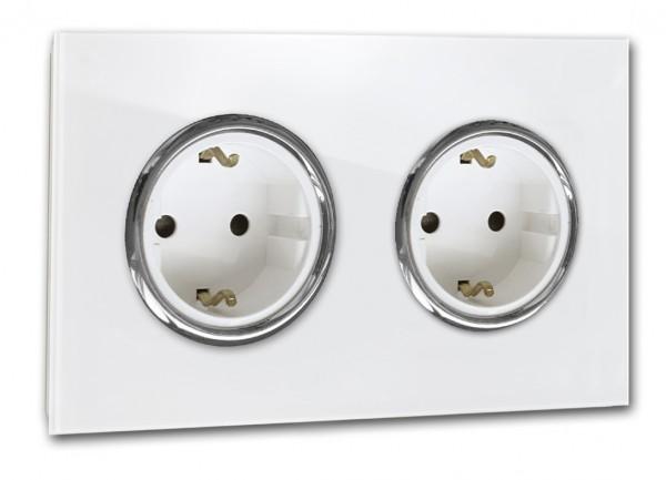 Weiße Steckdose 2-fach mit Verchromten Zierringen. Steckdosen-Rahmen in der Farbe: ALL WHITE ® von Farrow & Ball Nr.: 2005.