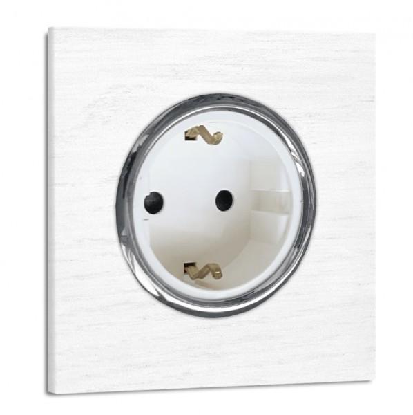 Weiße Steckdose 1-fach. Steckdosen-Rahmen Eichen-Holz lackiert mit Chrom-Einfassung in der Farbe: RAL 9016 Verkehrsweiß